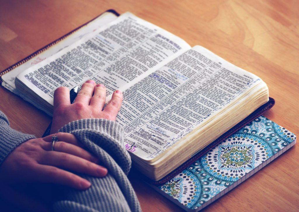 Die Bibel ist eine wunderbare Quelle für Kartentexte